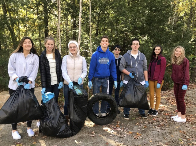 Environmental Club Cleans Up Trails
